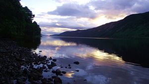 Thumb loch ness aldourie shoreline nverness scotland dave conner