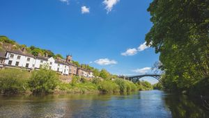 Thumb_ironbridge_hropshire__england._it_lies_in_the_civil_parish_of_the_gorge__in_the_borough_of_telford_and_wrekin_getty