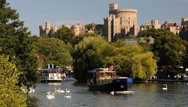 Windsor Castle with Thames in foreground.