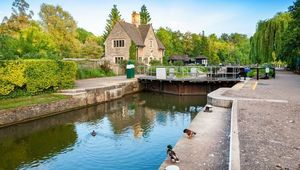 Iffley Lock on the River Thames. Oxford, Oxfordshire, England
