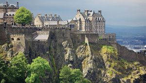 Thumb_edinburgh-castle