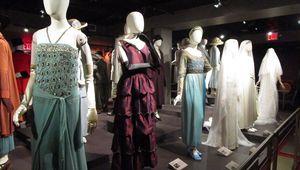 Thumb_other-dresses2