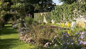 Thumb chastleton garden