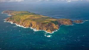 Thumb lundy island main image