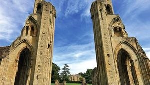 Thumb_glastonbury-abbey-1