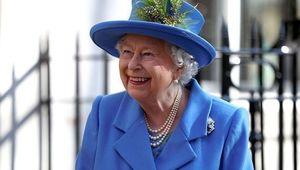 Thumb queen elizabeth blue