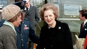Thumb margaret thatcher near helicopter  williams  u.s. military