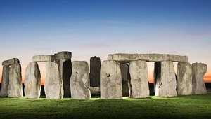 Thumb_stonehenge