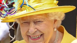 Thumb_queen_elizabeth_ii