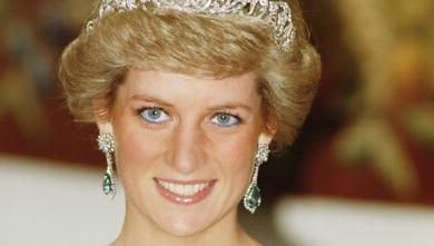 Princess Diana (1961 - 1997) wearing a Catherine Walker gown and the Spencer tiara at a banquet in Munich, November 1987. (Photo by Jayne Fincher/Princess Diana Archive/Getty Images)