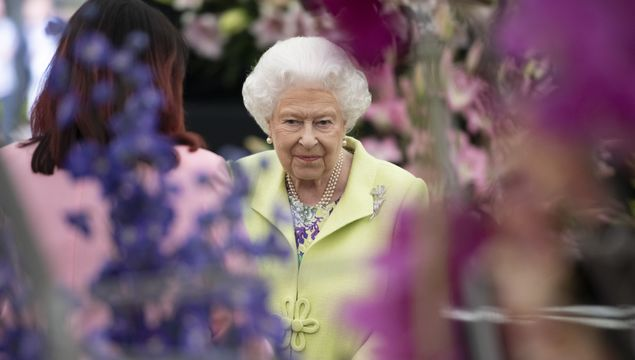 Queen Elizabeth II at the RHS Chelsea Flower Show 2019 press day at Chelsea Flower Show on May 20, 2019 in London, England. (Photo by Geoff Pugh - WPA Pool/Getty Images)