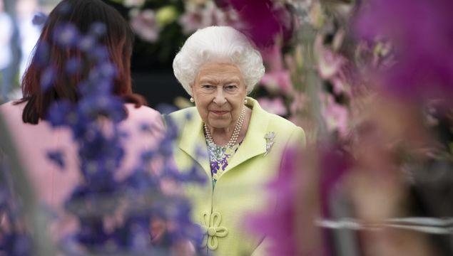 Queen Elizabeth II at the RHS Chelsea Flower Show 2019 press day at Chelsea Flower Show on May 20, 2019 in London, England. (Photo by Geoff Pugh - WPA Pool/Getty Images)