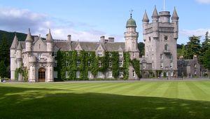 Thumb balmoral castle stuart yeates  flickr