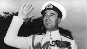 23rd June 1948: Lord Louis Mountbatten , the last Governor General from Britain waving a cheery farewell to the crowds in Delhi