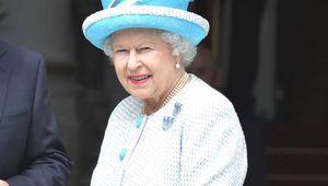 Thumb queen elizabeth ii blue rollingnewsjpg