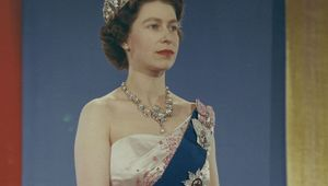 Thumb queen elizabeth ii 1959  library and archives canada