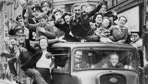 Thumb ve day celebrations in london  8 may 1945 ministery for information