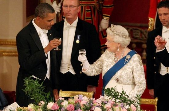 President Barack Obama and Queen Elizabeth II during a State Banquet in Buckingham Palace on May 24, 2011 in London, England. The 44th President of the United States, Barack Obama, and his wife Michelle are in the UK for a two day State Visit at the invitation of HM Queen Elizabeth II. During the trip they will attend a state banquet at Buckingham Palace and the President will address both houses of parliament at Westminster Hall. (Photo by Lewis Whyld - WPA Pool/Getty Images)