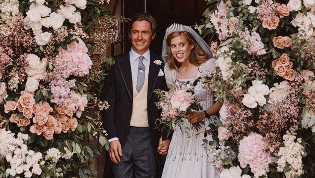 Edoardo Mapelli Mozzi and Princess Beatrice leaving the chapel at Windsor.