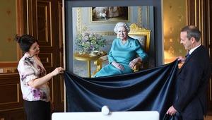 Thumb queenportrait