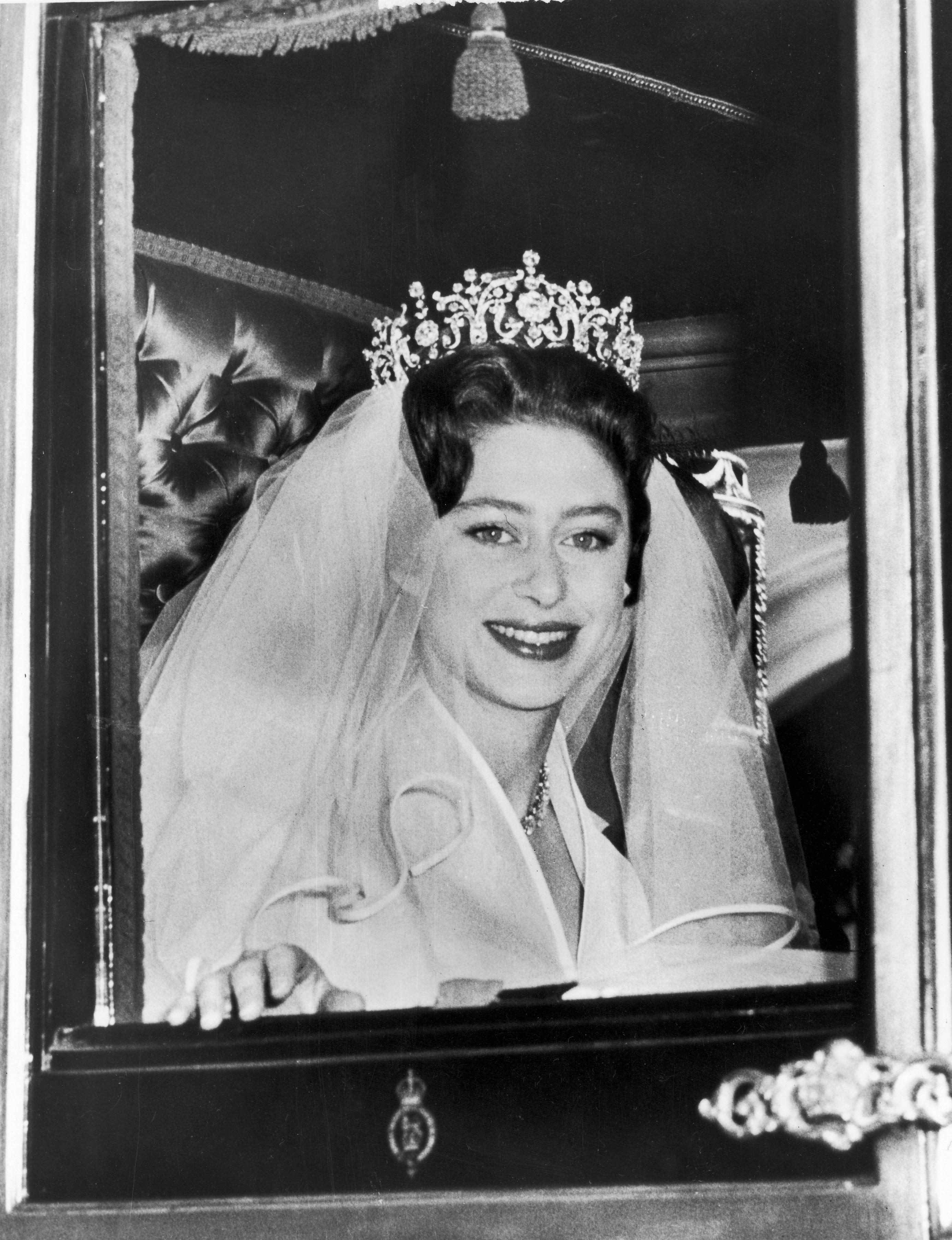 The Story Behind Princess Margaret S Wedding Tiara