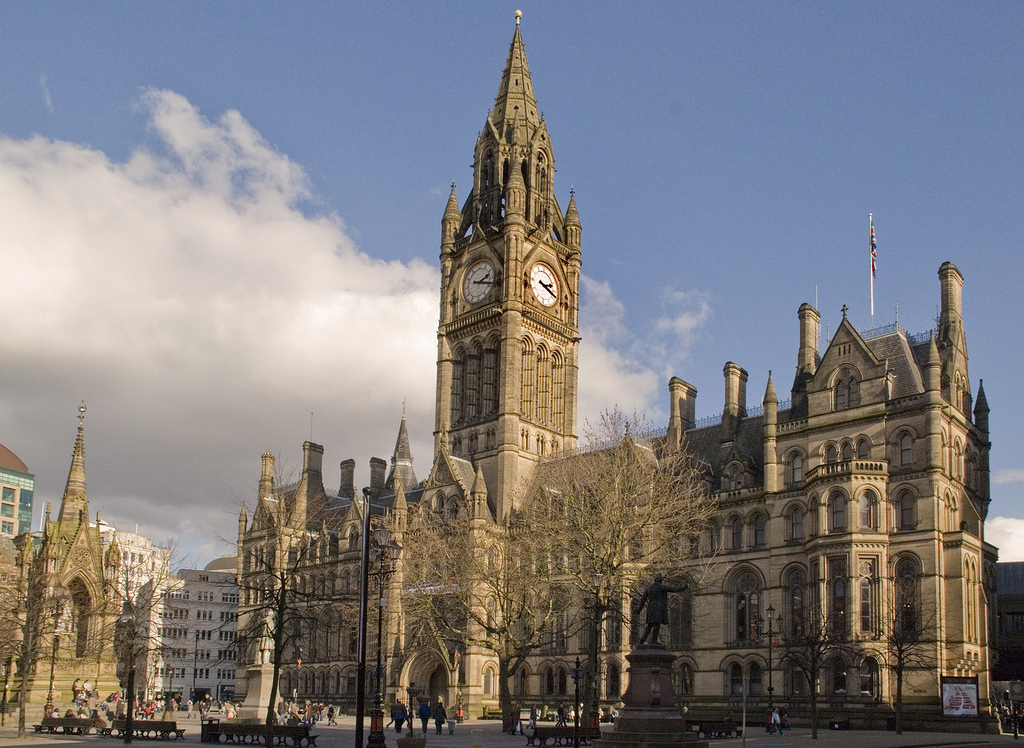 Manchester town hall from lloyd st1
