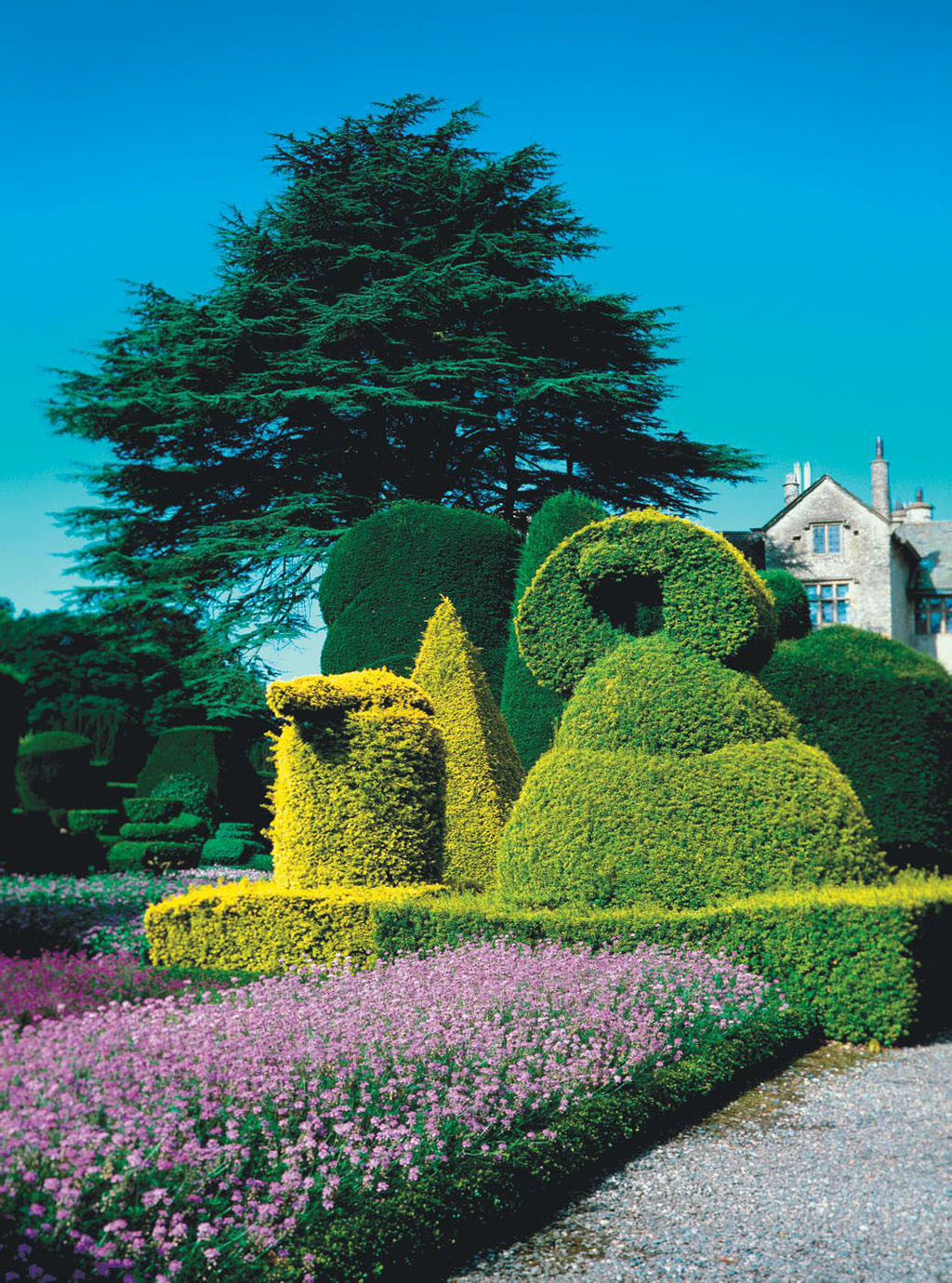 Topiary Gardens: On the Cutting Edge - British Heritage Travel on