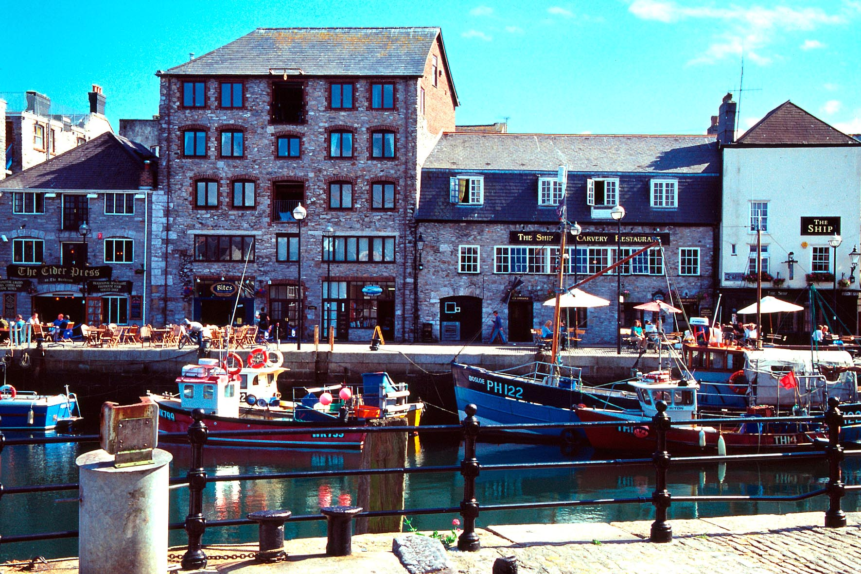 Plymouth_harbour_b1
