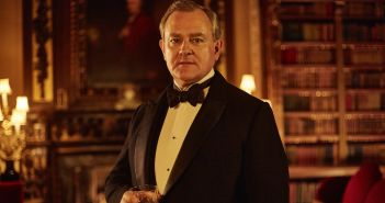 HUGH BONNEVILLE as Robert, Earl of Grantham  (C) Nick Briggs/Carnival Film & Television Limited 2015 for MASTERPIECE.